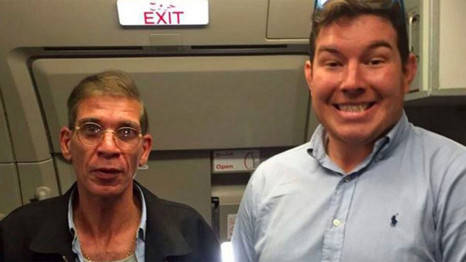 A Guy Just Took a Selfie With the Bomb-Strapped Man Hijacking His Flight