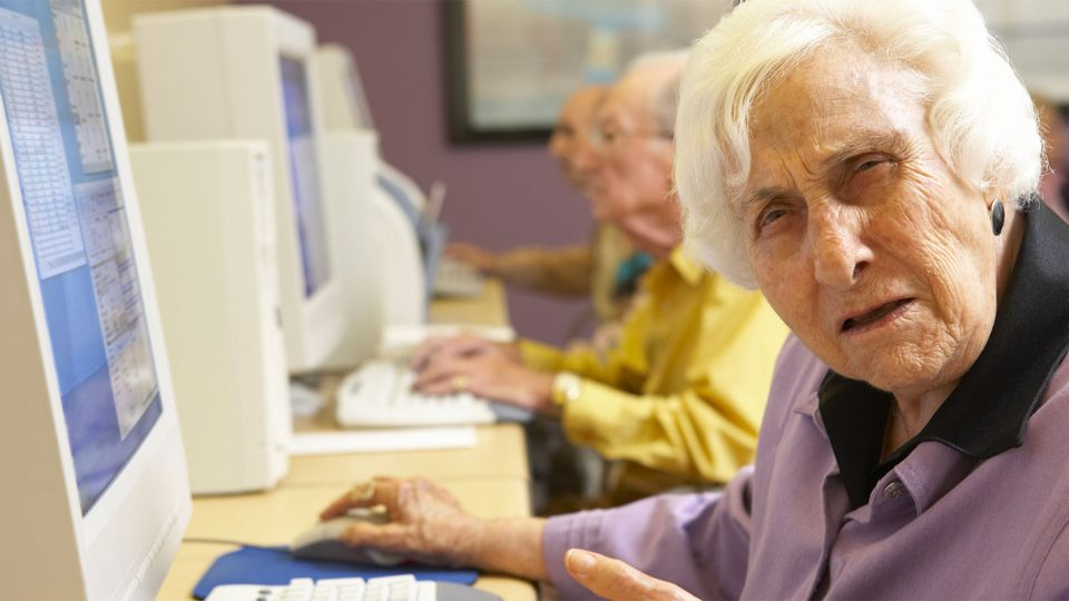 11 Photos of Older Folks Charmingly Confused by Technology